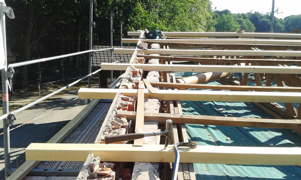 Detail-Bild der Dachsanierung am Vereinsheim Tus Syke