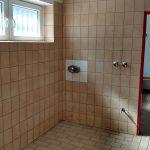 Fotos der Duschen vor der Sanierung